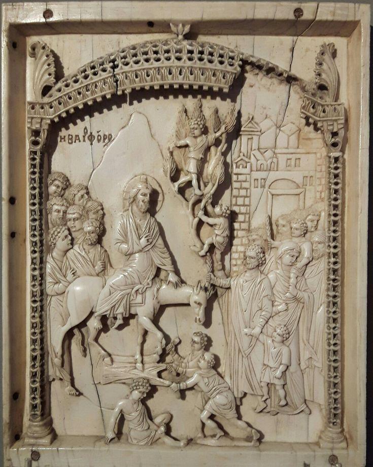 Pannello centrale di un trittico con l'entrata di Gesù a Gerusalemme. X sec. Bode Museum