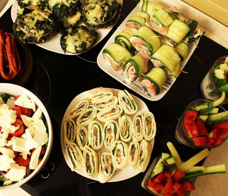 Zbiór przepisów na fit przekąski, dietetyczne, zdrowe przekąski na imprezę, domówkę, do filmu czy na drugie śniadanie.