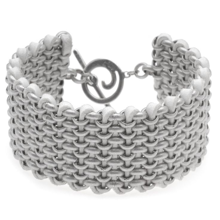 #Tutorial - How to: Cameron #Bracelet | BeadaholiqueProjects Instructions, Projects B1032, Pulseras Cameron, Chainmail Pulseras, Cameron Bracelets, Bracelets Pattern, Chains And Leather Bracelets, Popup Windows, Ankle Bracelets
