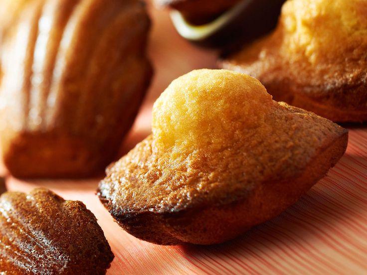 Vos madeleines sont délicieuses. Fondantes, moelleuses, parfumées… oui mais voilà, elles sont raplapla. Pas de jolie bosse bien gonflée à l'horizon. Alors,...