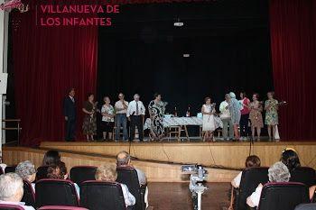 """El grupo de teatro del Centro de Día """"Casa de Don Manolito"""" llenó anoche el Auditorio Municipal de la Encarnación"""
