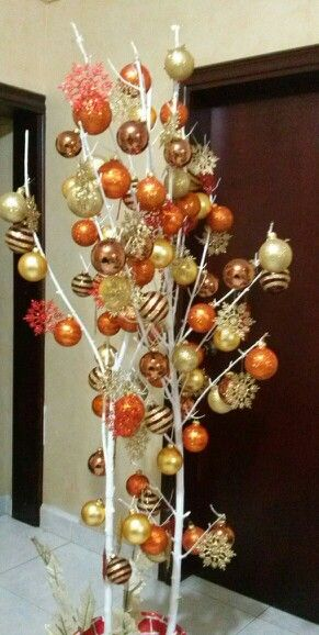 Arbol de navidad pintar una rama seca decorar con - Ramas secas para decorar ...