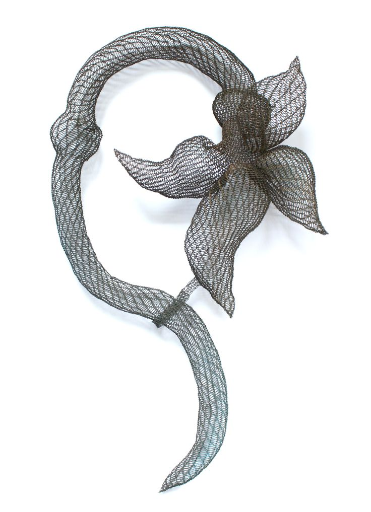 Selected Artists JOYA Barcelona Art Jewellery Fair 2015.  © Ksenia Vokhmentseva Necklace: The Orchid, 2015 Wire