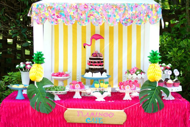 Pineapples-and-Flamingo-birthday-Party