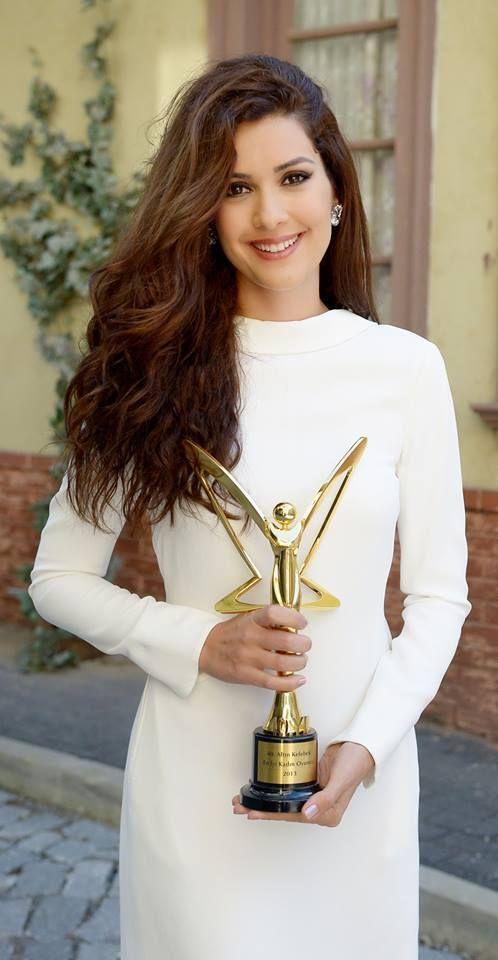 Bergüzar Korel Won Altın Kelebek Awards For Best Actress 10 November 2013.