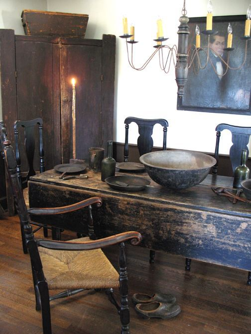 Love...gorgeous primitive dining room