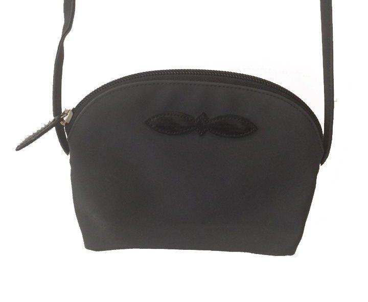 Petit sac Soco bandoulière via Chloe Handbag Addict : Le vide dressing. Click on the image to see more!