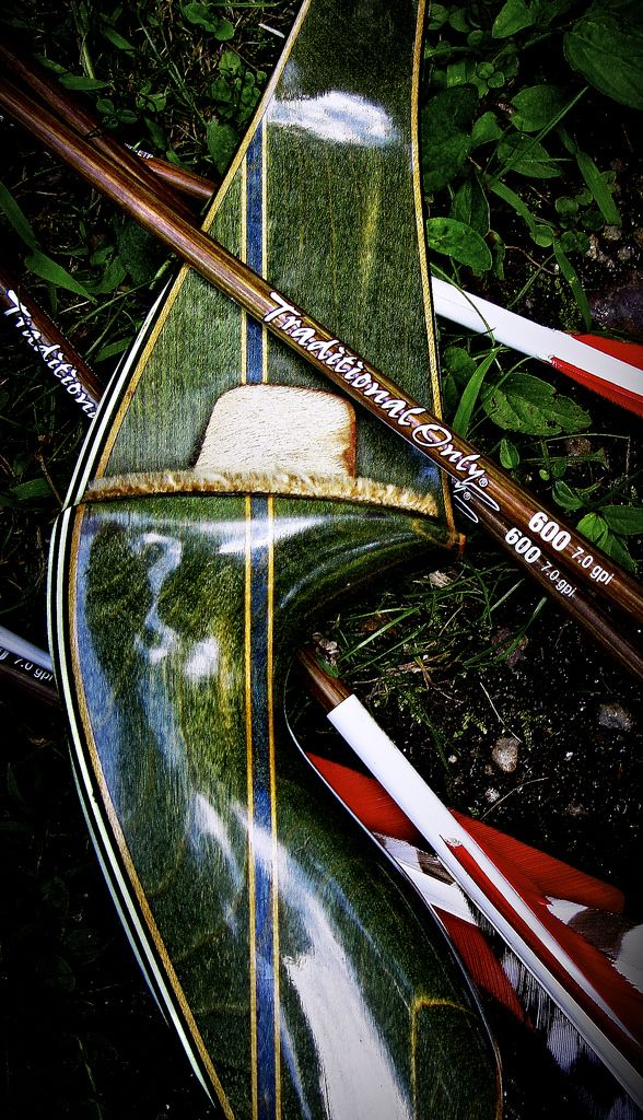 "Bear Kodiak Magnum | Lately I've been using the 3 Rivers Archery ""Traditional Only"" carbon arrows. Tipped with a 190 grain Simmons Treeshark they really pack a punch and very durable.   <a href=""http://www.3riversarchery.com/Traditional+Only%26reg%3B+Carbon+Arrows_i6781X_variablekit.html"" rel=""nofollow"">www.3riversarchery.com/Traditional+Only%2526reg%253B+Carb...</a>"