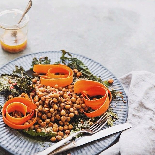 spicy chickpea + crispy kale salad with chili garlic marinated carrots