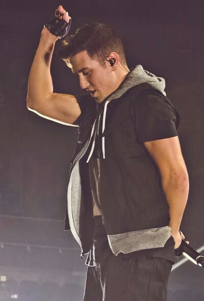 Happy Birthday Lego!! ♥♥♥ Have a amazing 25th <3 You sure are getting up there, you and Carlos. I LOVE YOU! -ISELLA