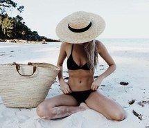 Inspiring image black, body, fashion, girl, hat #4354981 by helena888…