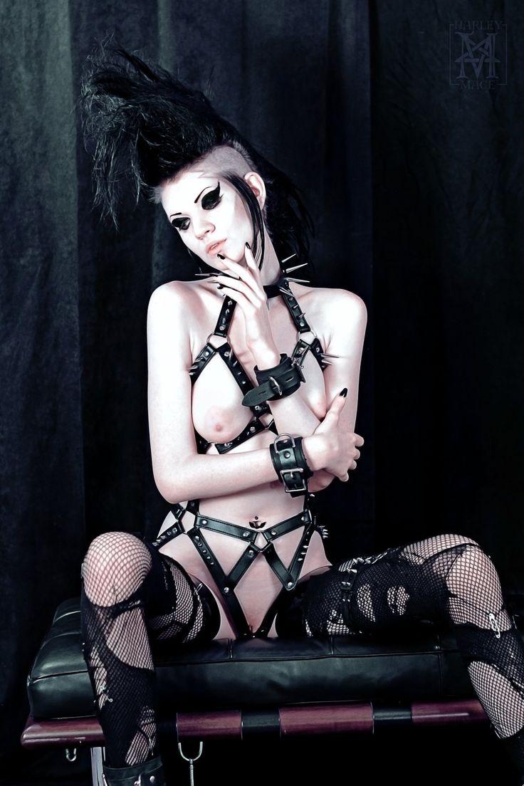 Nude Goth Girl Pics Minimalist les 186 meilleures images du tableau nudes sur pinterest   femmes