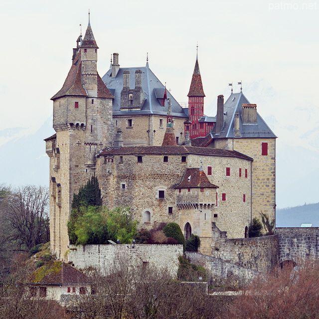 Château de Menthon-Saint-Bernard   Haute-Savoie en région Rhône-Alpes