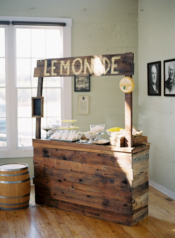 151 best images about lemonade stands on pinterest valentines day party pi - Construire table bois ...