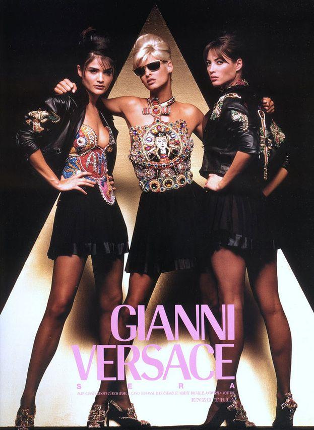 Christy Turlington, Helena Christensen et Linda Evangelista pour la campagne Versace automne-hiver 1991-1992 http://www.vogue.fr/thevoguelist/versace/283#