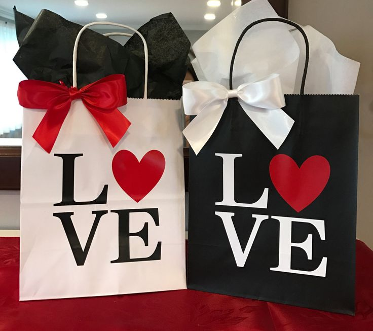 Wedding Gift Bags, Valentine's Gift, Custom Party Favor, Handcrafted in 3-5 Business Days White and Black Large Bag, set of 2