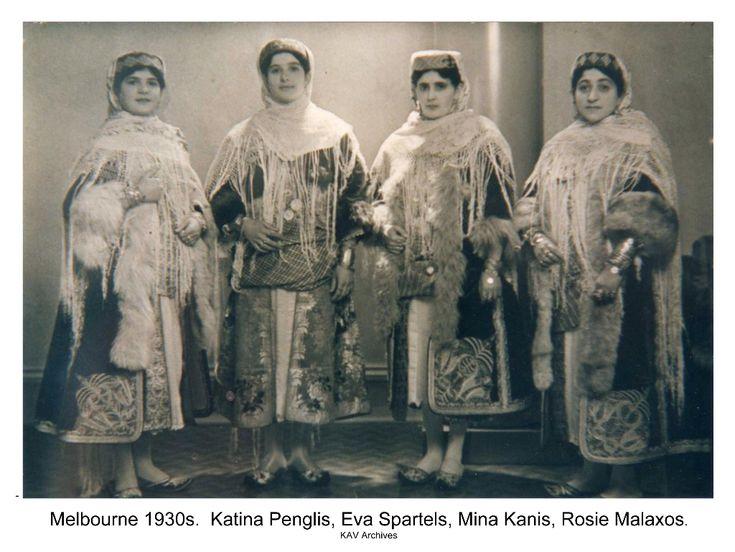 ΚΑΣΤΕΛΛΟΡΙΖΟ: http://kazzieclub.com/culture/treasures-of-kastellorizo/treasures-of-kastellorizo-gallery/
