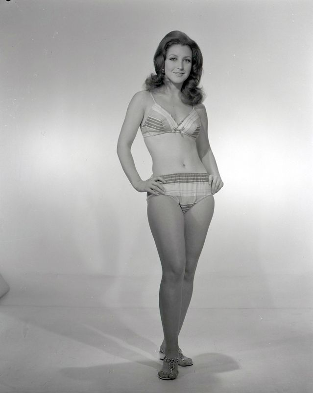 Angélica María, ca. 1965
