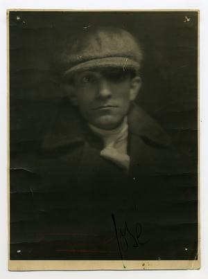 Fotografia inédita de Almada Negreiros, Lisboa, 1921