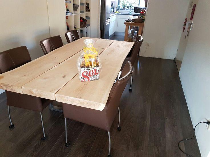Diningroom table - kastagne