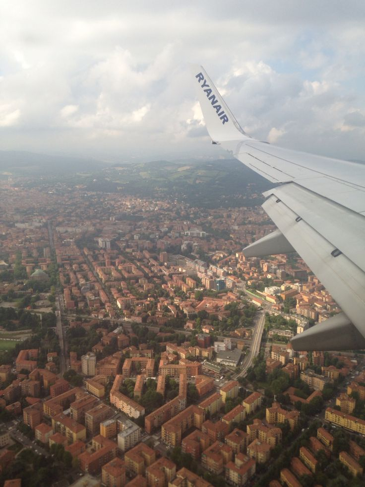 Preparing to land in Italy! Whoo #italy #flying #traveling