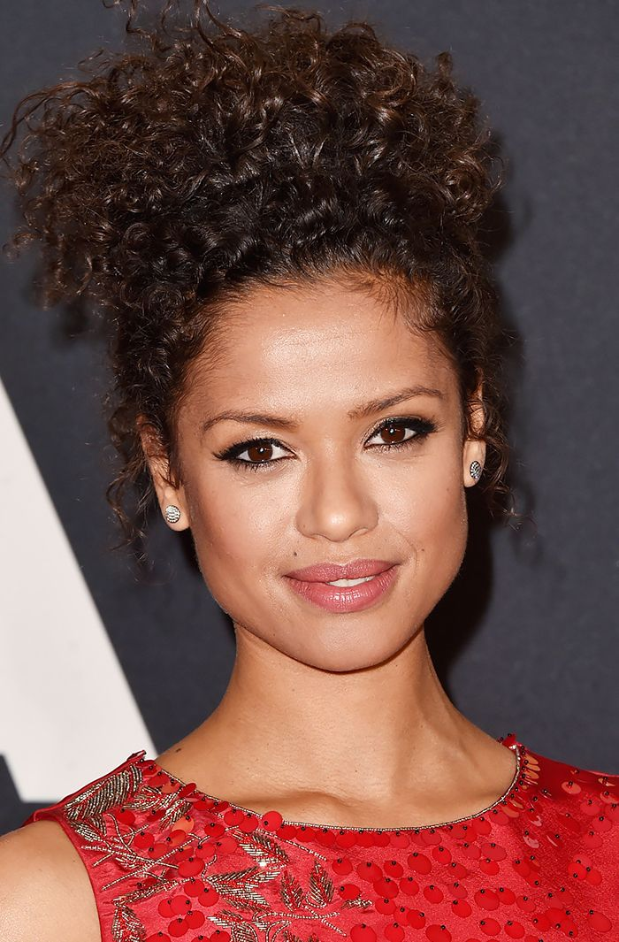 Gugu Mbatha-Raw went for a dramatic dark liquid liner and soft, warm cheeks and lips.