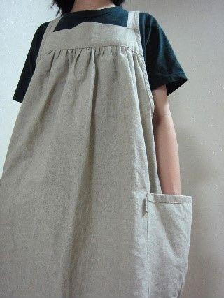 지금 입기 좋은 린넨 에이프런원피스 친구가 입은 옷 디자인이이뻐서 옷대고 잘라 만든 린넨 에이프런 원피...