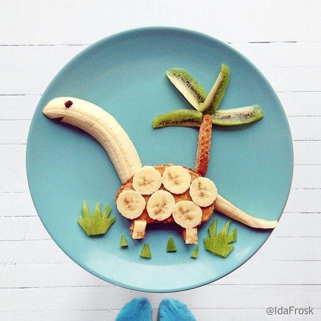 """C'est tellement plus rigolo de manger une banane quand il s'agit d'un """"sandwich-o-saurus""""..."""