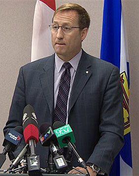 14 février 2015 - Halifax a évité une réelle tragédie, selon Peter MacKay, ministre de la justice du Canada. Trois suspects ont été arrêtés. Un autre suspect a été trouvé mort dans une maison à Timberlea. Selon les policiers de la GRC, deux des suspects planifiaient d'ouvrir le feu sur la population dans un endroit public et de s'enlever la vie par la suite.