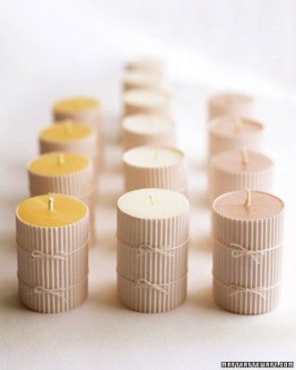 Troostcadeautje. Kaarsjes met wikkel. Schrijf een boodschap aan de binnenkant van de wikkel en geef het kaarsje weg/Candles wrapped. Write a message inside the wrapper and give it away.