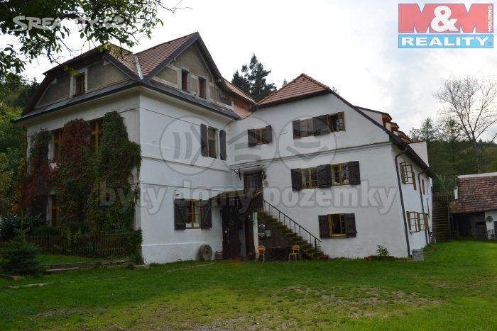 Rodinný dům 500 m² k prodeji Trojanův mlýn, Praha 6 - Suchdol; 0 Kč (Info o ceně v RK), parkovací místo, výtah, patrový, samostatný, cihlová stavba, dobrý. kde s točil film dva písaři