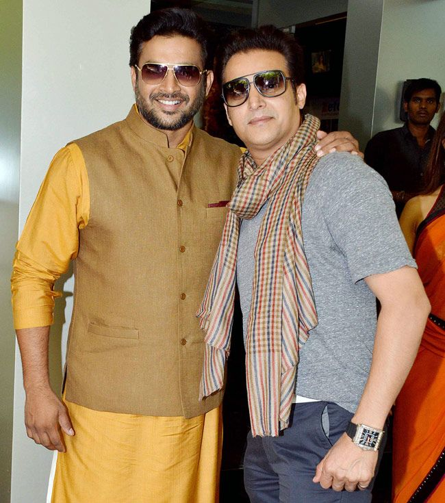 R Madhavan and Jimmy Shergill promoting 'Tanu Weds Manu Returns'. #Bollywood #Fashion #Style #Handsome