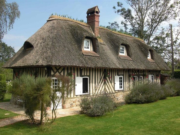 152 best Maisons images on Pinterest French houses, Nice houses