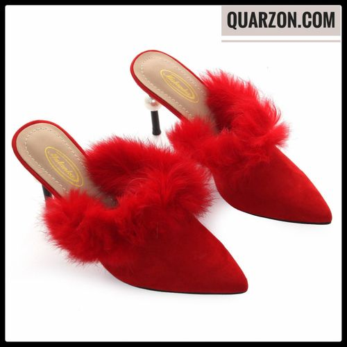 Zapatos elegantes para mujer, el pelo sintético del zapato y su suave textura lo convierten en un sueño de princesa. edición limitada color: rojo detalle: perla en el tacón material: pelo sintético números en stock: 36, 37, 38, 39, 40 por la compra superior a 30€ obtendrás un 5% de descuento del total de tu pedido. Visita nuestra web quarzon.com #moda #ropa #monogram #bolsos #encaje #look #vestidos #vestidosdefiesta #vestidosdefiesta #fotos #fashion #fashionista #fashionrevolution