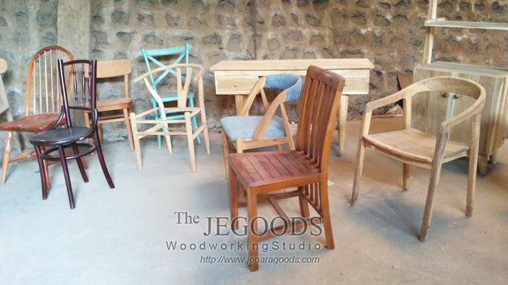 Designs of teak minimalist and retro dining chair for cafe and restaurant project by Jepara Goods Woodworking Studio Furniture Indonesia