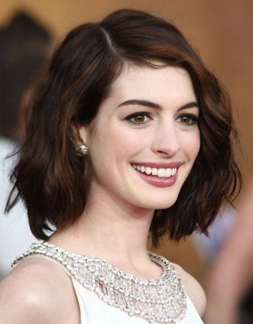 Most Wanted Short Wavy Hairstyles 2019 for Women to Look Awesome on Parties