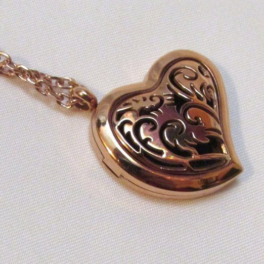 Rose Gold Essential Oils Diffuser Necklace - Hypoallergenic with a magnetic locket.