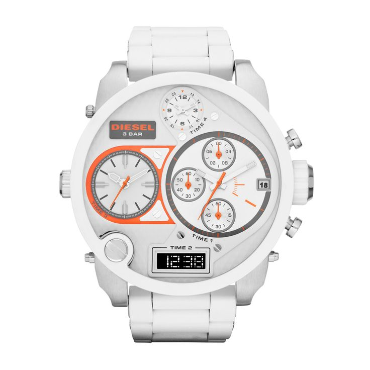 This iconic Diesel watch features a detailed dial with multiple time displays, a calendar window and chronograph subdials. A white, silicone-wrapped bracelet delivers added depth to this powerhouse silhouette.