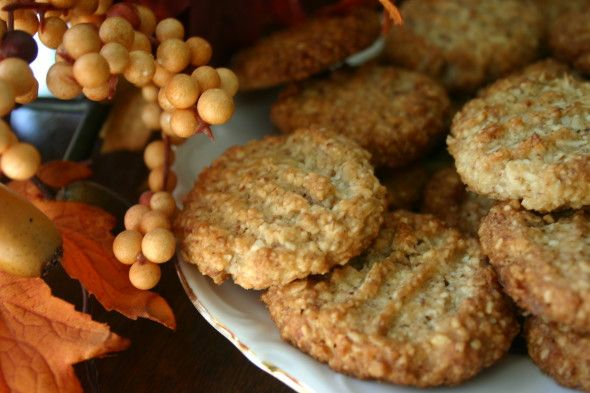 Low Carb Oatmeal Coconut Cookies - (oatmeal, almond flour, coconut flour) - 1.4 net carbs per one cookie -