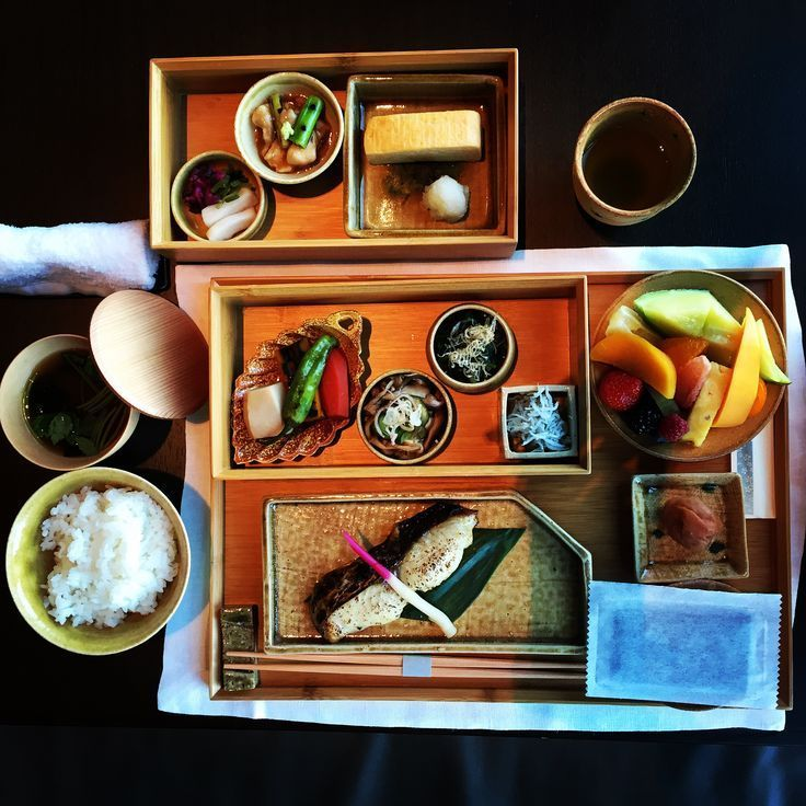The 25 best hotel breakfast ideas on pinterest for Tokyo bed and breakfast