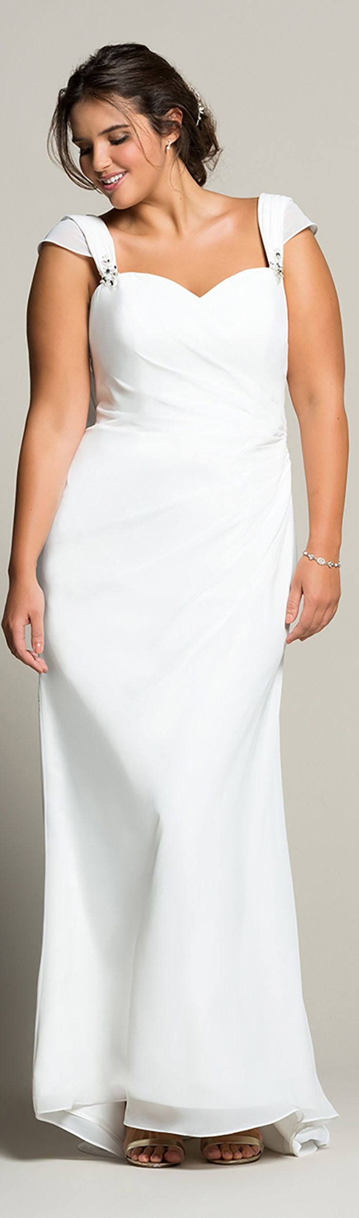 Casual wedding dress plus size. Read article about wedding fashion for indie brides: http://www.boomerinas.com/2016/01/24/casual-wedding-dresses-for-second-marriages-9-tips/
