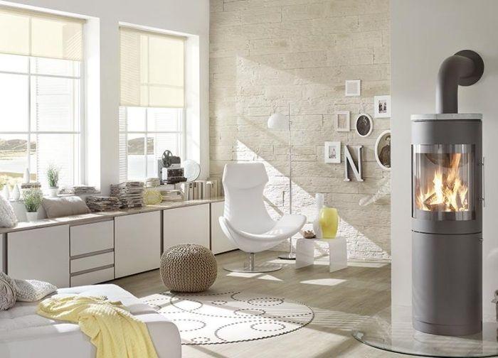 wohnzimmer im skandinavischen stil mit steinwand - Steinwand