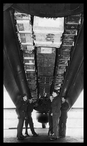 Canadian Lancaster , of 6th RCAT, loaded with supplies for the Dutch resistance , 1943 .