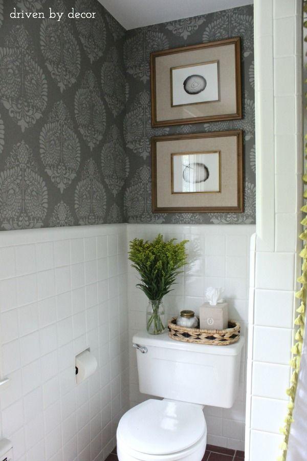 25 beste idee n over bruin behang op pinterest houtstructuur houten achtergrond en houtnerf - Model badkamer betegeld ...