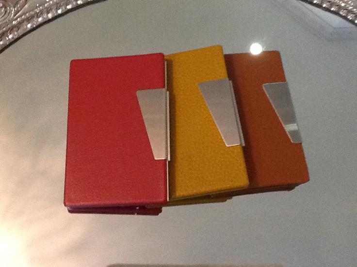 Estos porta tarjetas de presentación estan divinos para tu doctor!!