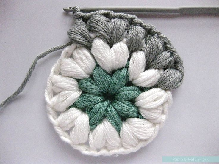 Crochet Jasmine Stitch In The Round : Crochet puff stitches in the round. Sweet.