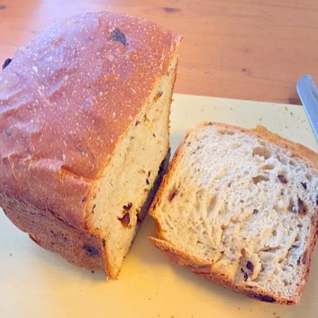 久しぶりに焼いてみました (*^^*) - 71件のもぐもぐ - 豆乳ぶどうパン by smky
