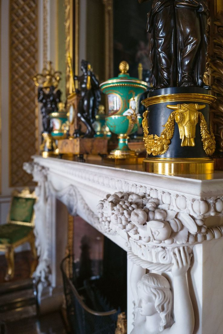 Peek Inside Buckingham Palace's Private and Unseen Rooms ...