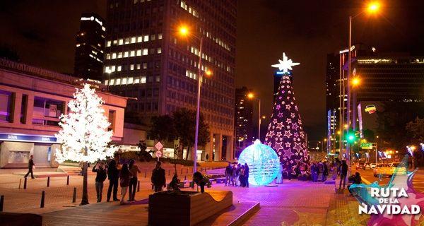 Hoy es un día para compartir en familia. Disfruta de la iluminación de #Bogotá y muéstranos los lugares que más gozas con #YoReportoNavidadHumana