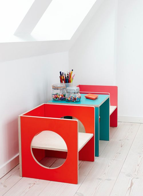 Such fun kid's furniture for a kids organized space.. Mmm, do you think this could be a DIY project?